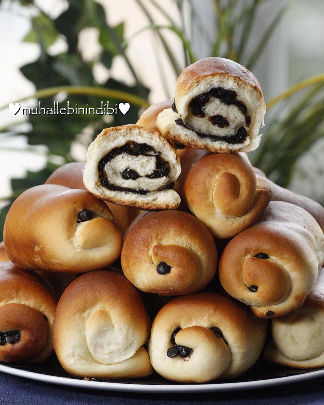 Sütlü Çikolatalı Ekmekler